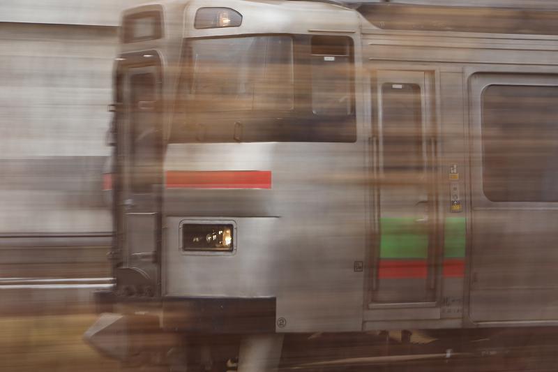2台のはこだてライナー-札幌運転所での暇つぶしは本線の流し撮り