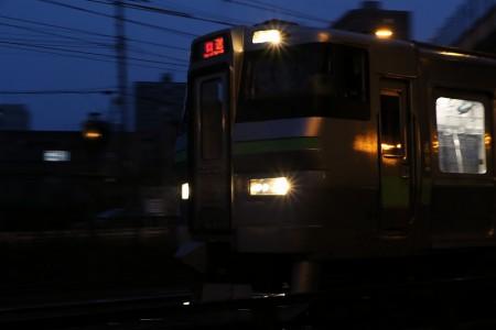 朝の回送電車