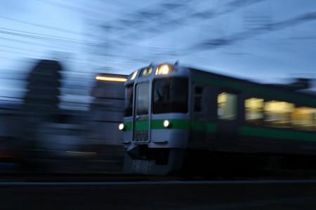回送電車-SS1/8流し撮り