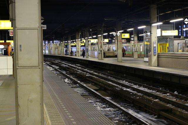 トネンル火災の影響で運休が続く-深川までの臨時列車は6両編成のキハ261系100番台で