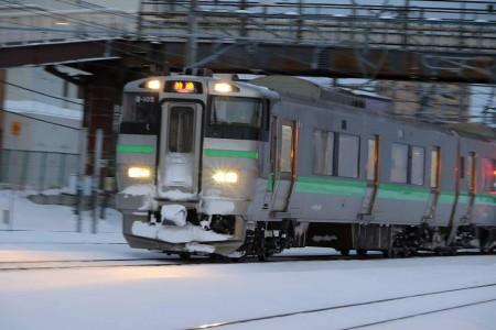 手稲駅-3番線入線