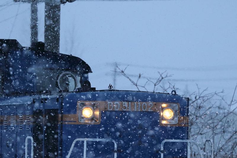 雪の中街灯頼りの早朝回送~急行はまなす−そして札幌運転所の機回し