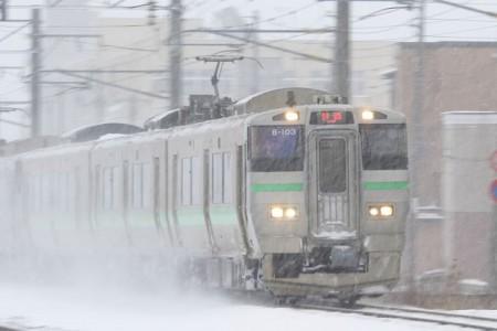 普通電車-雪舞い上げ