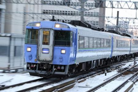 ズーム流し-北斗4号 札幌駅