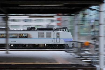 流し撮り-札幌駅 オホーツク1号