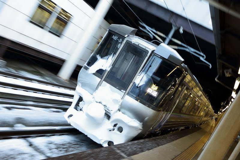 朝と帰りの札幌駅と稲積公園駅-2日続けてオホーツクは前後スラント