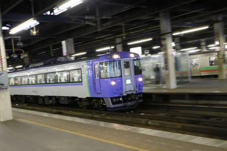 ズーム流し-札幌駅
