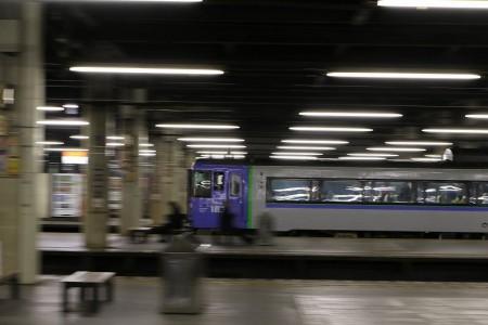 流し撮り-札幌駅 夜