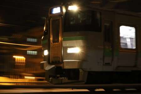 ズーム流し-回送電車