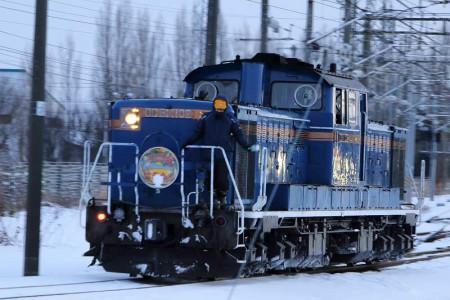 札幌運転所-急行はまなす機関車機回し