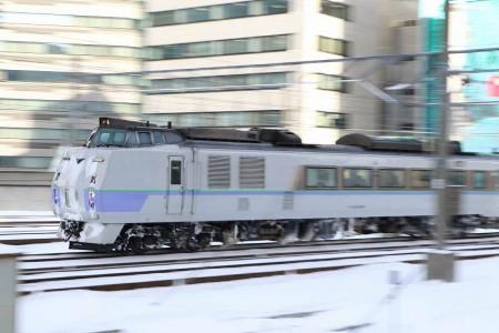 流し撮り- 札幌駅 オホーツク2号