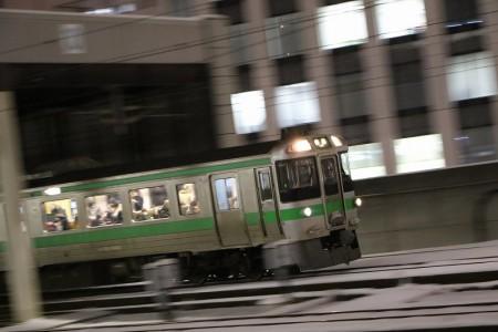 流し撮り-札幌駅夜