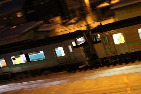 流し撮り-普通電車 733系+731系