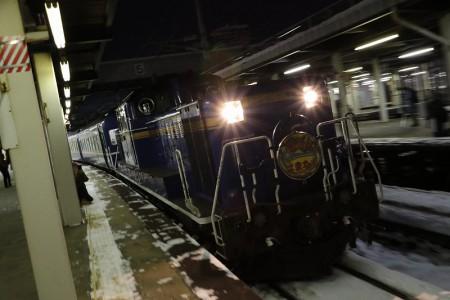 ズーム流し-札幌駅 急行はまなす