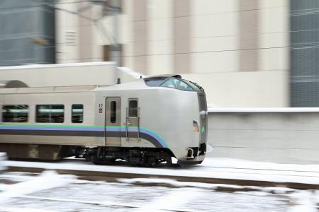 流し撮り-札幌駅 スーパーカムイ4号