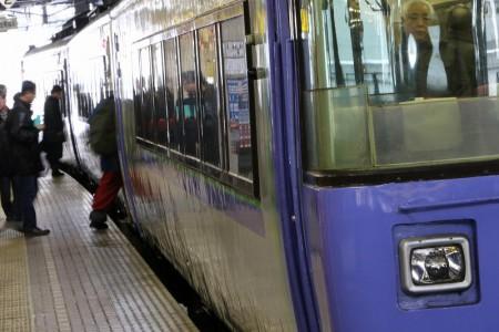特急サロベツ-札幌駅