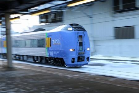 流し撮り-札幌駅 スーパー宗谷1号