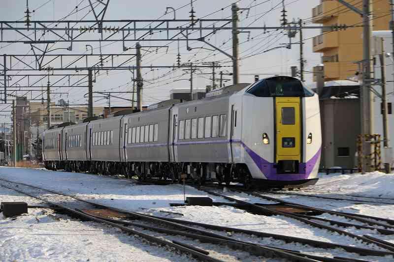キハ261 1204とキハ260 1204の新色が1号から営業運転に復帰