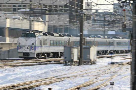 流し撮り 札幌駅-特急オホーツク