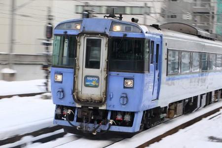 ズーム流し-札幌駅 サロベツ