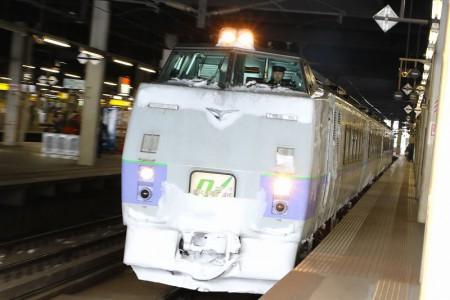 ズーム流し-札幌駅 オホーツク12D