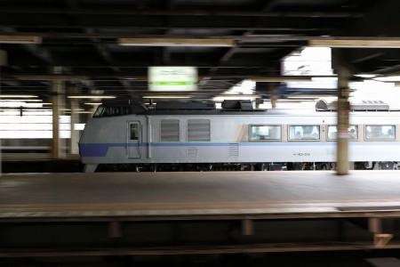 流し撮り-札幌駅 オホーツク12D