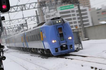 ズーム流し-スーパー宗谷 札幌駅