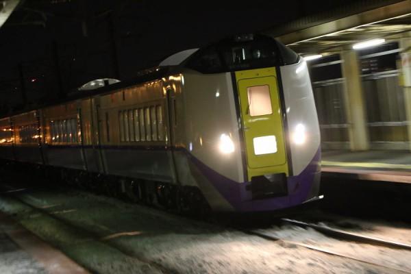 稲積公園駅-回送スーパーとかち 新色 ST1103