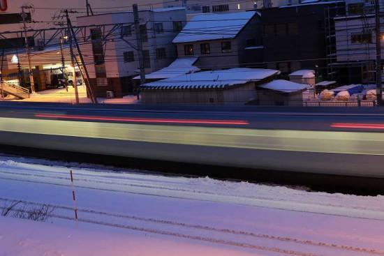 スローシャッター-列車 1.6秒 光線