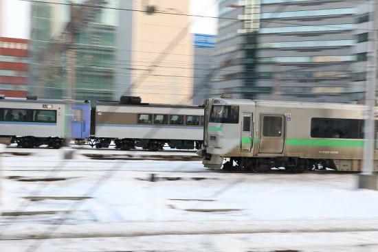 2台同時 流し撮り-オホーツク 札幌駅