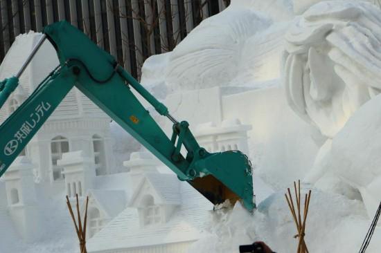 さっぽろ雪まつり-雪像解体 西4丁目会場