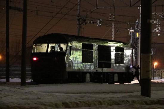 札幌運転所-REDBEAR 261系甲種輸送