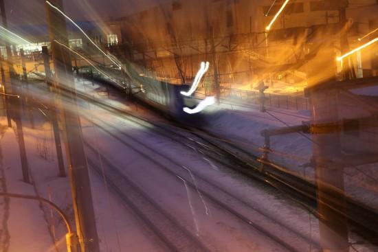 露光間ズーム 1.3秒-スローシャッター 列車