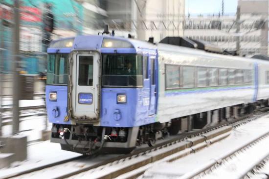 ズーム流し スローシャッター-流し撮り-札幌駅