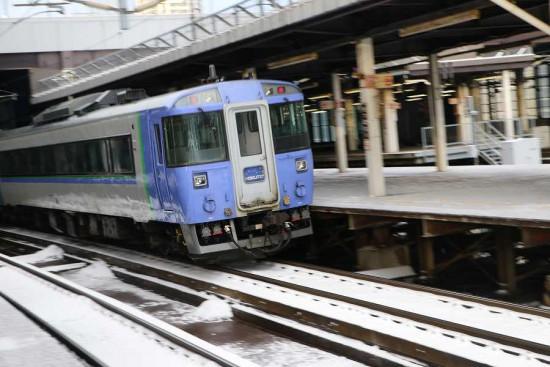流し撮り 北斗-札幌駅 列車