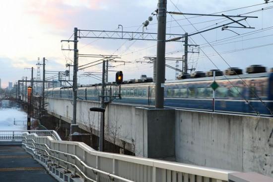 稲積公園駅-急行はまなす