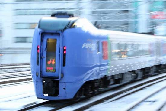 流し撮り 札幌駅-スーパーおおぞら 列車