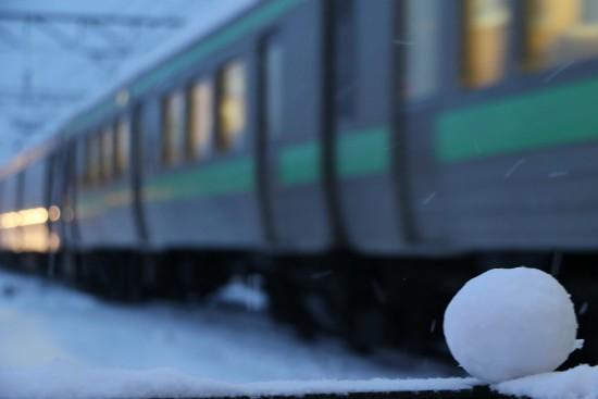 雪だるま 途中-列車 見送り