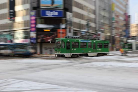 札幌 市電 4丁目交差点-流し撮り