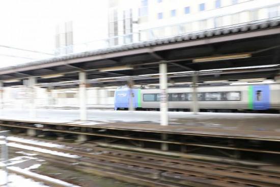 流し撮り-スーパー北斗 キハ281