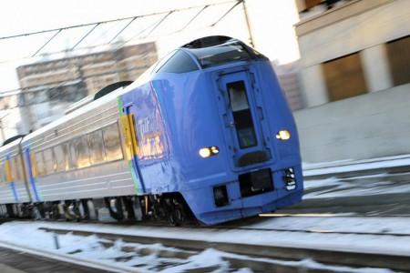 ズーム流し-札幌駅 スーパー宗谷1号