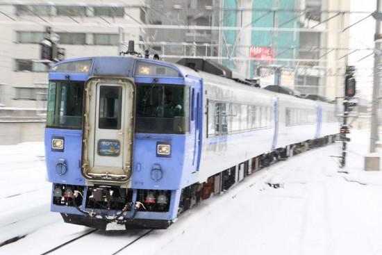 ズーム流し 札幌駅-サロベツ キハ183系