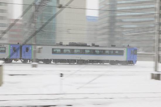 雪 降雪 流し撮り 札幌駅-サロベツ