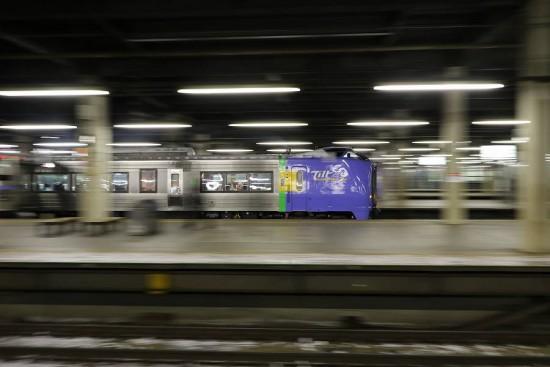 スーパー宗谷 53D-流し撮り 夜 札幌駅
