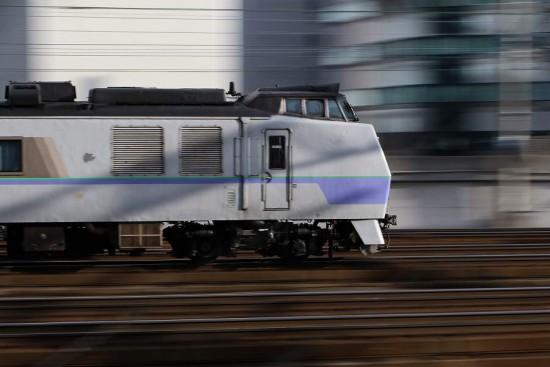 流し撮り 札幌駅-オホーツク キハ183系