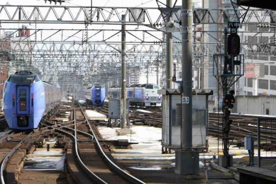 札幌駅 スーパー北斗 スーパーおおぞら おおぞら-並走