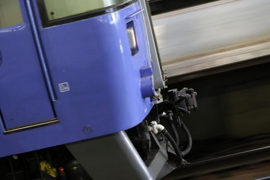 流し撮り 北斗-札幌駅 連結器