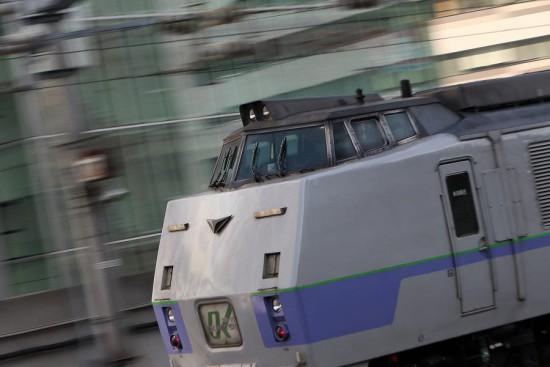 流し撮り 札幌駅 スローシャッター-オホーツク