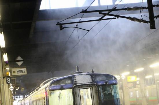 オホーツク 積もる雪 札幌駅 天井