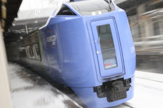 ズーム流し 札幌駅-スーパー北斗 キハ281系